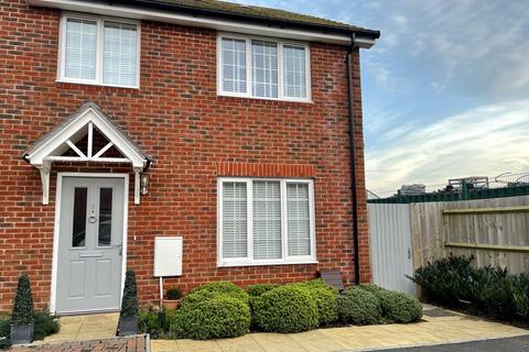 4 bedroom semi-detached house for sale - Bennett Gardens, Ferring, BN12