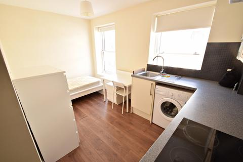 Studio to rent - Bournemouth