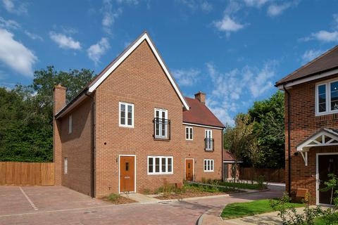 3 bedroom detached house for sale - Plot 166, The Eccleston at Tadworth Gardens, 66 De Burgh Gardens, Tadworth KT20