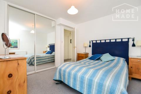 1 bedroom flat to rent - Tradewinds Court, St Katharine's & Wapping, E1W