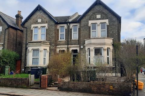 2 bedroom flat for sale - Greyhound Lane,  London, SW16