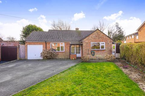 2 bedroom detached bungalow for sale - Bradley Road, Warminster