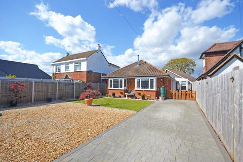 2 bedroom detached bungalow for sale - Robins Drive, Aldwick, Bognor Regis