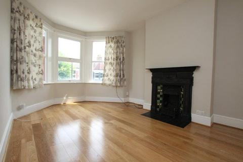 2 bedroom flat to rent - Langham Road, London N15