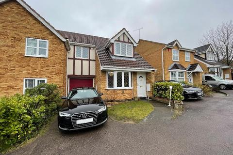 3 bedroom semi-detached house to rent - Lambourn Drive, Bushmead, Luton, LU2 7GQ
