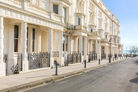 2 bedroom apartment for sale - Palmeira Square, Brighton, East Sussex, BN3