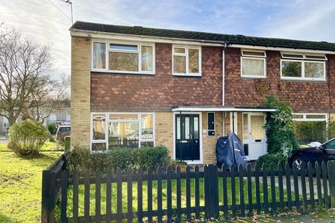 3 bedroom end of terrace house for sale - Holroyd Road, Claygate