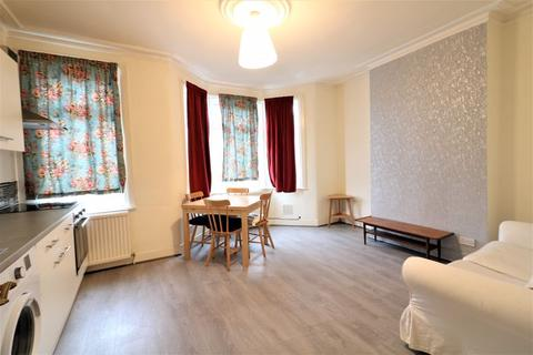 2 bedroom flat to rent - Two Bed First Floor Flat to Rent