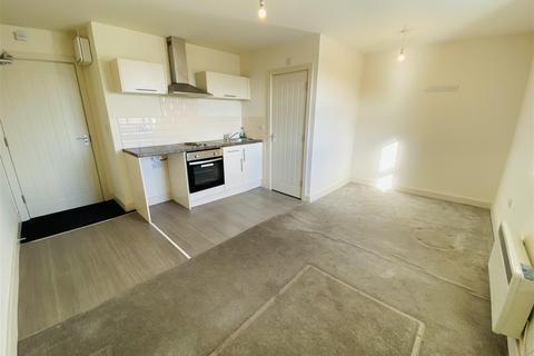 1 bedroom flat to rent - Bradford Road, Northowram, Halifax