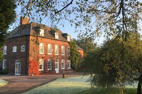 5 bedroom house for sale - Tamhorn Park Farmhouse , Fisherwick