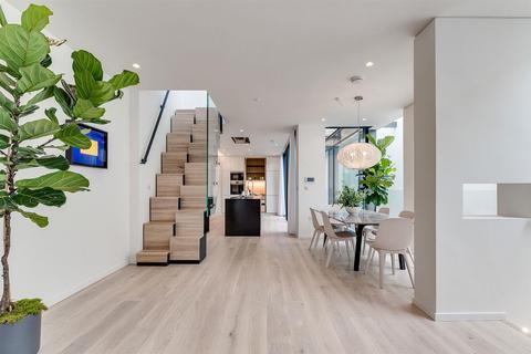 3 bedroom maisonette for sale - Rostrevor Mews, London