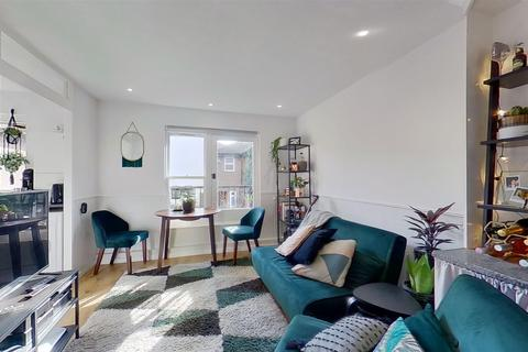1 bedroom flat for sale - Daley Thompson Way